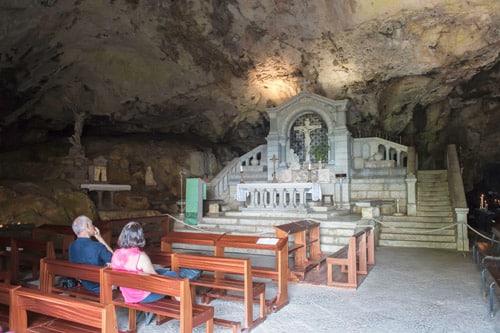Photo autel de la Grotte