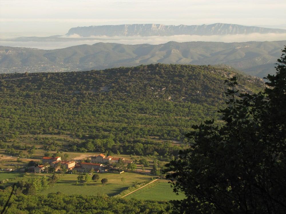 Hostellerie et Mont Sainte-Victoire