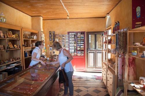 Photo magasin du pèlerin à la Grotte